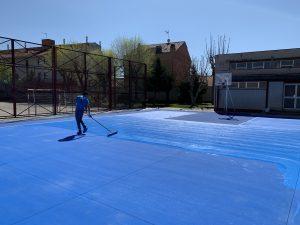 Aplicación de resinas en pista deportiva
